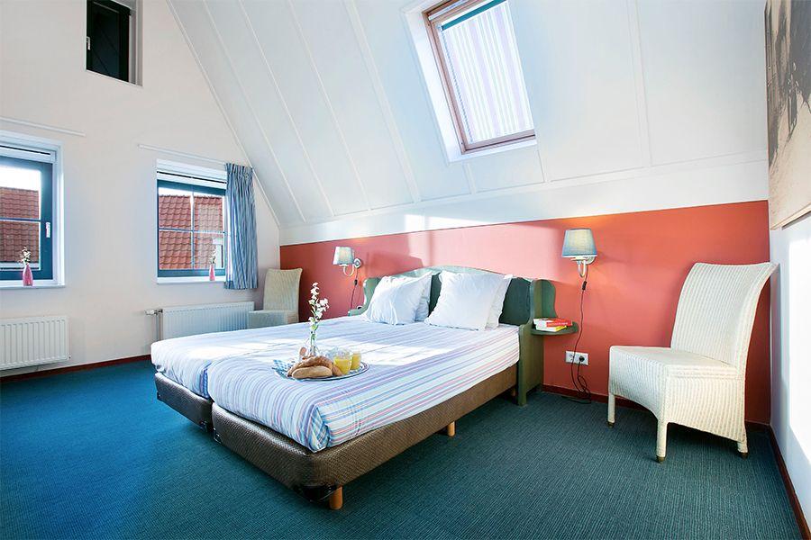 Hotelovernachting op Roompot Marinapark Volendam (2 p.)