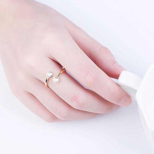 Ring met 2 zirkonia-stenen