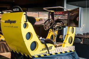 Simulation de course automobile à Exype, Waterloo (2p.)
