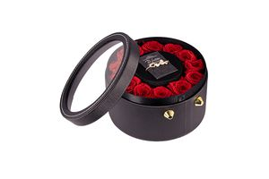Armband met Swarovski-elementen in box met echte rozen