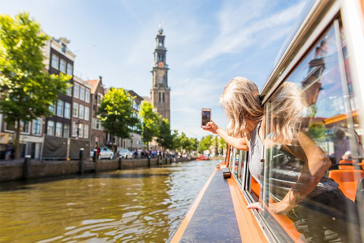 Rondvaart door de Amsterdamse grachten (2 p.)