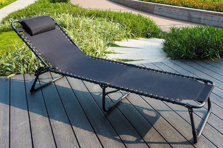 Zwarte opvouwbare ligstoel van Feel Furniture