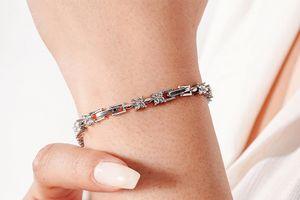 Zilverkleurige armband met Swarovski-elementen