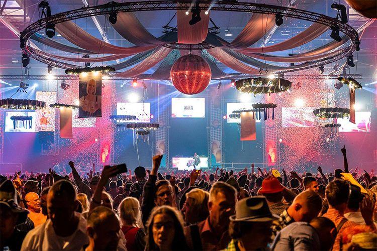 Dutch Oktoberfest in IJselhallen Zwolle (2 p.)