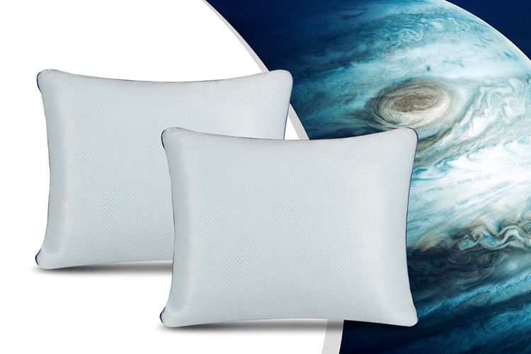 2 memory foam kussens van Swiss Nights (model: NASA)