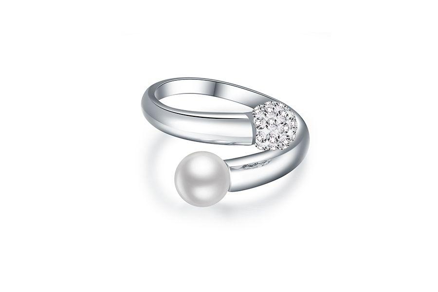 Zilveren ring met zoetwaterparel en Oostenrijks kristal