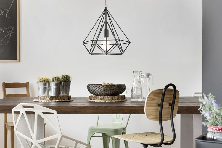 Zwarte hanglamp van Lifa Living (model: Uppsala)