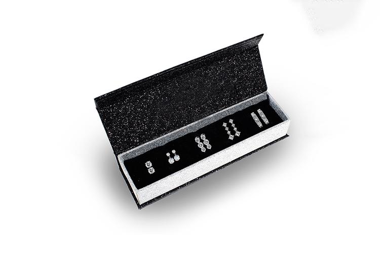 5 paar oorbellen met Swarovski-elementen