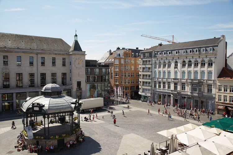 1 overnachting in Hotel Ambassadeur in Oostende, Belgi�