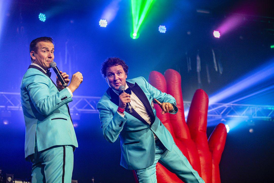Fout & Stout: d� Party in de Ijsselhallen Zwolle (2 p.)