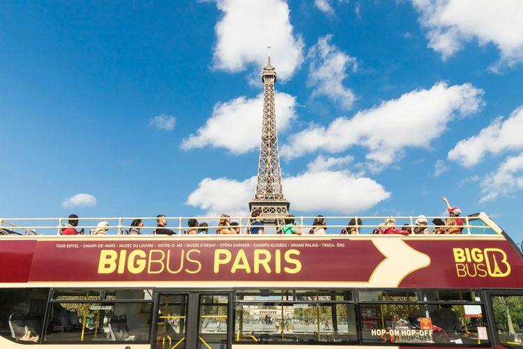 2 classic tickets voor de hop-on-hop-off bus in Parijs