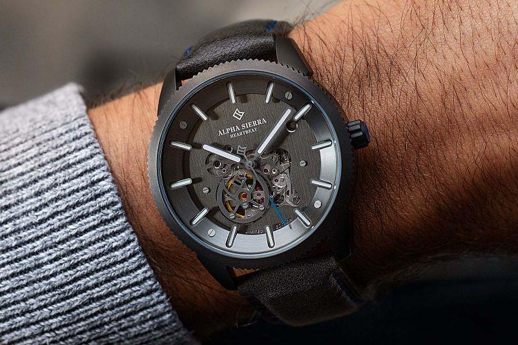 Alpha Sierra Heartbeat horloge (model: B101)