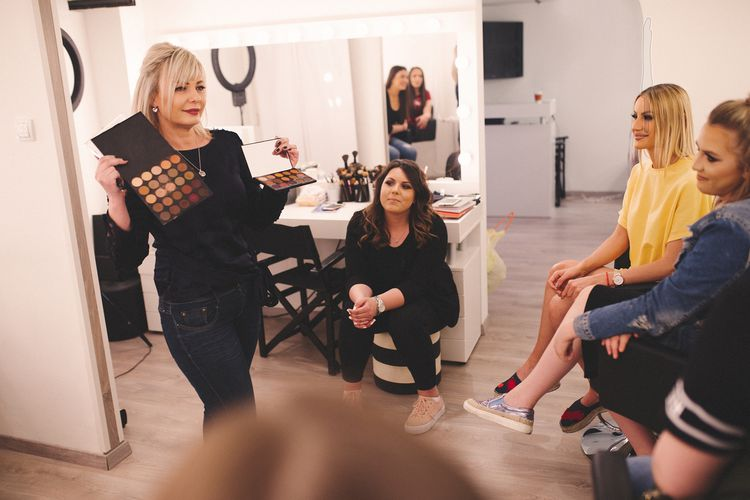Make-up workshop op 1 van de 9 locaties (2 p.)
