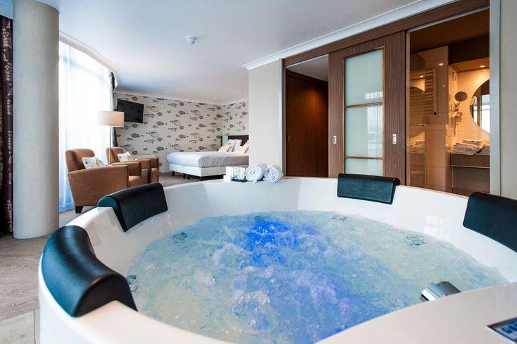 Whirlpool Klein suite whirlpool ultiem ontspannen in whirlpool suite der valk