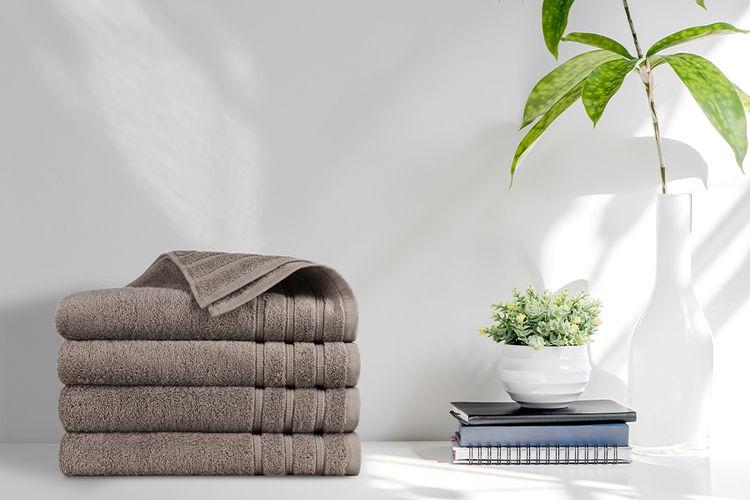 4 luxe handdoeken van Swiss Nights (70 x 140 cm)