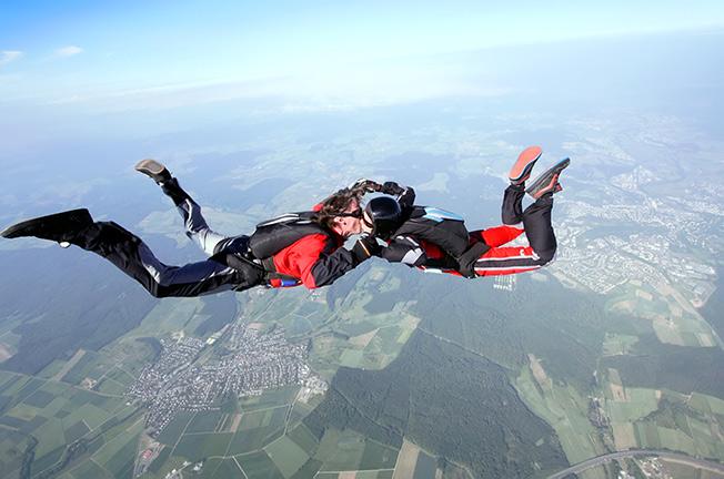 Actief dagje uit met vriend: skydiven