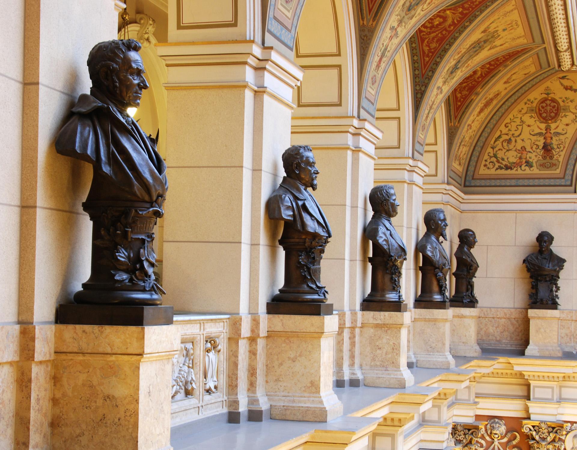 Dagje-uit-ouderen-museum-beelden