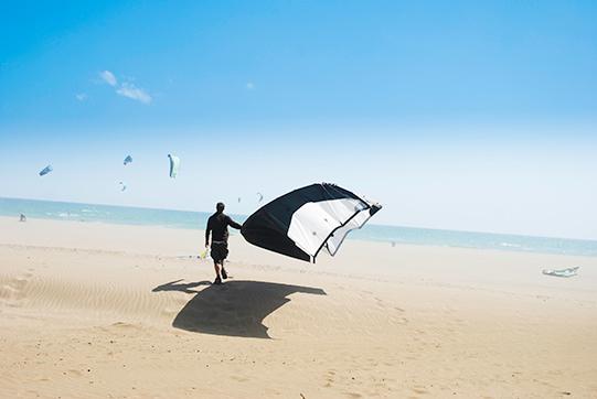 Watersport-kitesurfen-zomervakantie-Vakantieveilingen