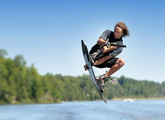 watersport-waterpret-wateracitiveiten-wakeboarden-vakantieveilingen