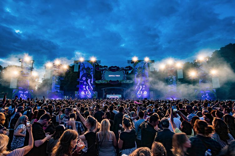 Back 2 the 90's festival Tilburg met o.a. 3T en Toy-Box