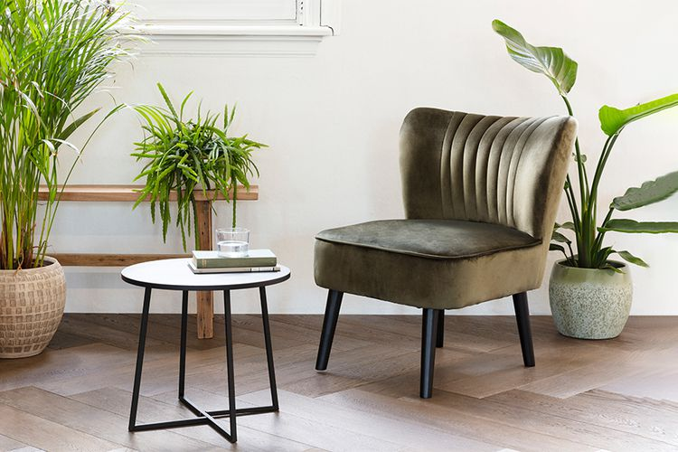 Olijfgroene stoel van VELYON (model: Sofia)