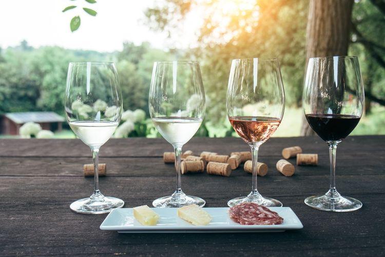 Wijnproeverij bij jou thuis of in jouw tuin (6 p.)