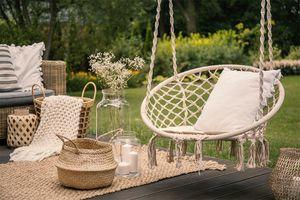 Witte, comfortabele hangstoel voor buiten (80 x 80 cm)
